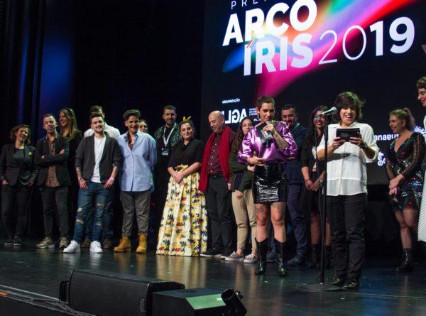 Direção e Staff da ILGA no palco dos prémios arco-íris, Janeiro de 2020