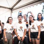 Pessoas voluntárias no Arraial Lisboa Pride 2019